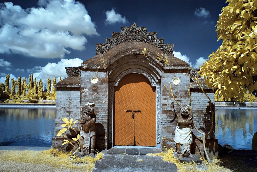 Kekayaan Legenda Taman Mayura Wisata Lombok Pura Agung Narmada Kota