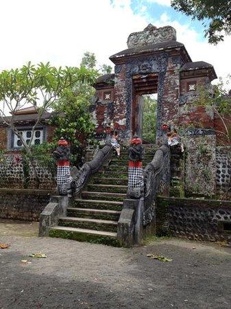 Kori Agung Picture Pura Narmada Mataram Tripadvisor Kota