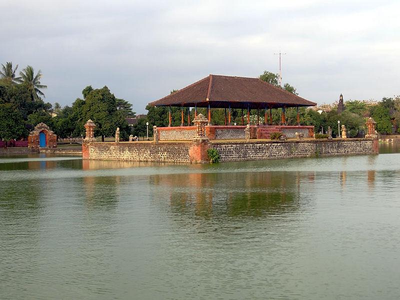 Lingsar Temple Mayura Water Palace Sightseeing Tour Bemyguest Pura Agung
