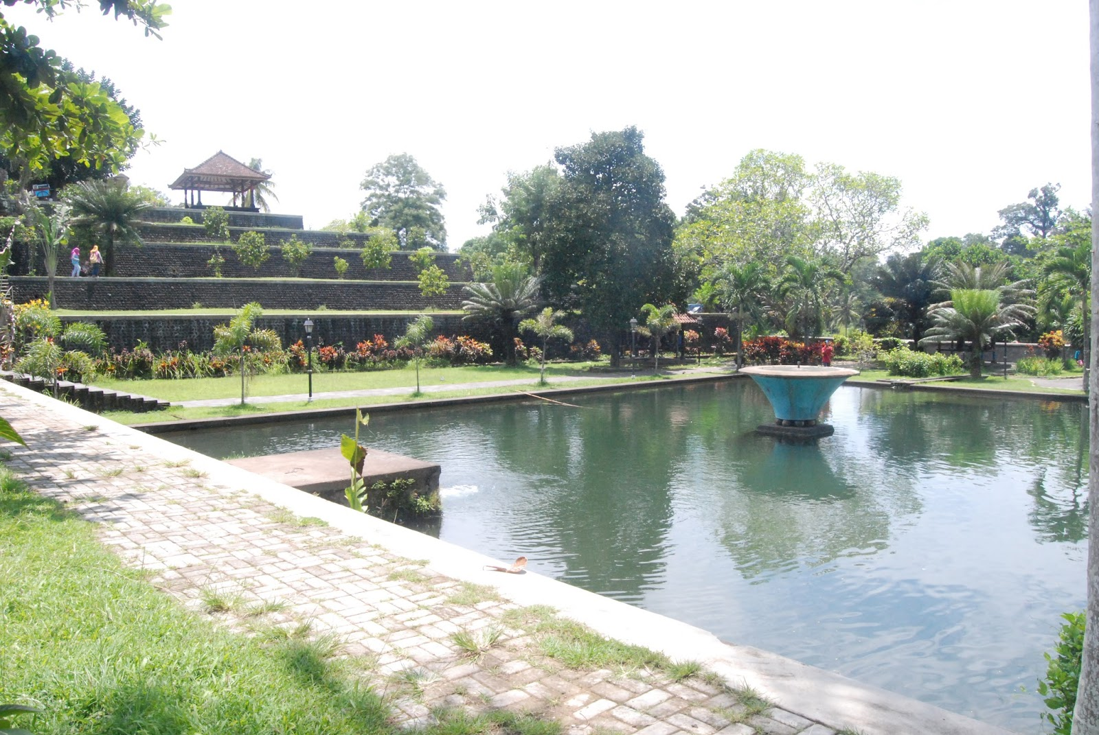 Passion Taman Narmada Pura Mayura Makam Loang Baloq Menurut Catatan