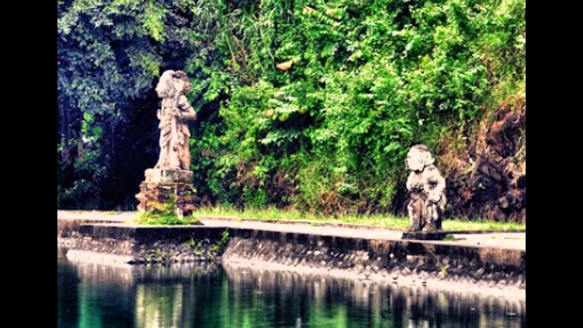 Taman Narmada Nusa Tenggara Barat Tempat Wisata Indonesia Youtube Pura