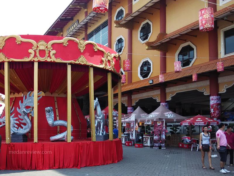 Vihara Maitreya Cemara Asri Suasana Imlek 2015 Lounge Medan 12