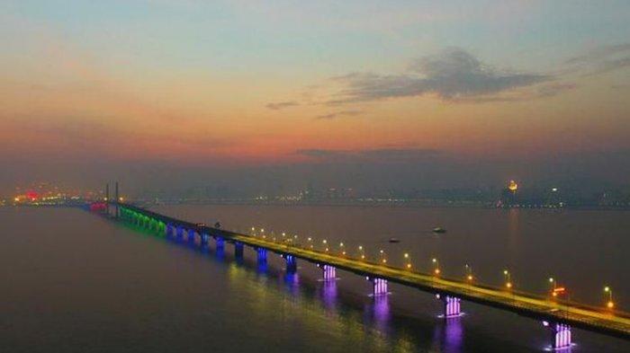 Tag Dunia Terbalik Jembatan Terpanjang Rampung China Habiskan Biaya Rp