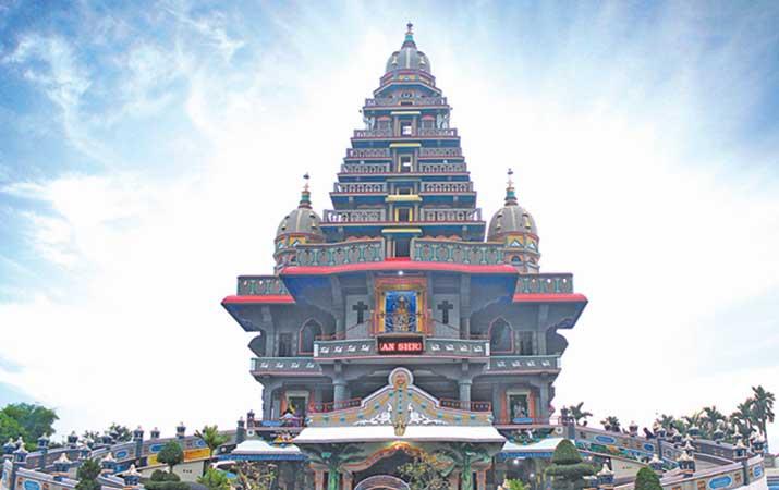 Berita Arsitektur Graha Velangkanni Medan Toleransi Harian Maria Annai Kota