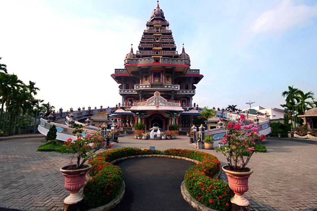 Uniknya Graha Santa Maria Annai Velangkanni Gereja Bangunan Kota Medan