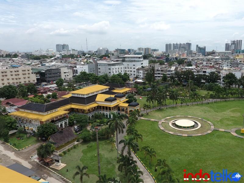 Cepat Selimuti Istana Maimun Masjid Raya Medan Internet Kota
