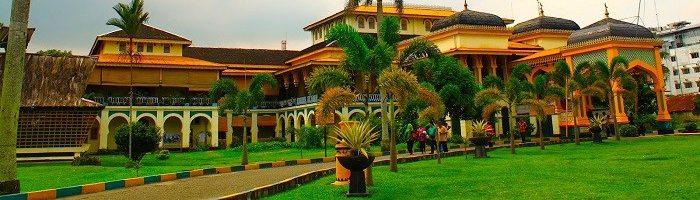 Cropped Istana Maimun Medan Kota Metropolitan Patut Kunjungi Traveller Jpg