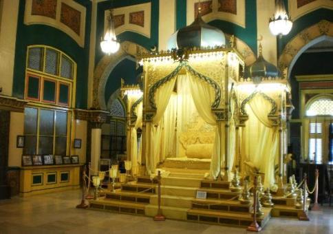 Istana Maimun Jejak Kejayaan Melayu Kuno Kota Medan