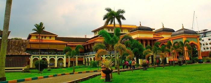 Istana Maimun Medan Kota Metropolitan Patut Kunjungi Traveller
