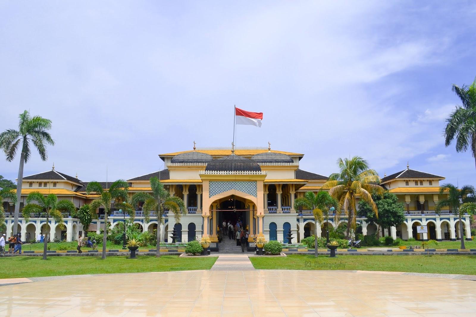 Istana Maimun Medan Museum Mewah Bergaya Megah Media Pomosi Tempat