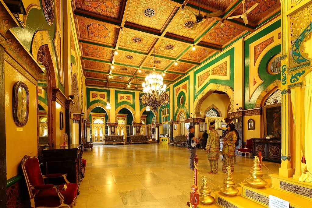 Istana Maimun Medan Rado Riza Kota