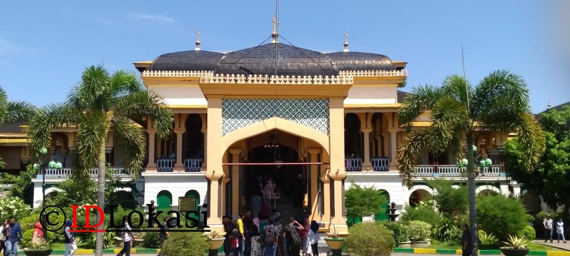 Istana Maimun Medan Tempat Wisata Bersejarah Idlokasi Kerajaan Pemerintahan Sultan