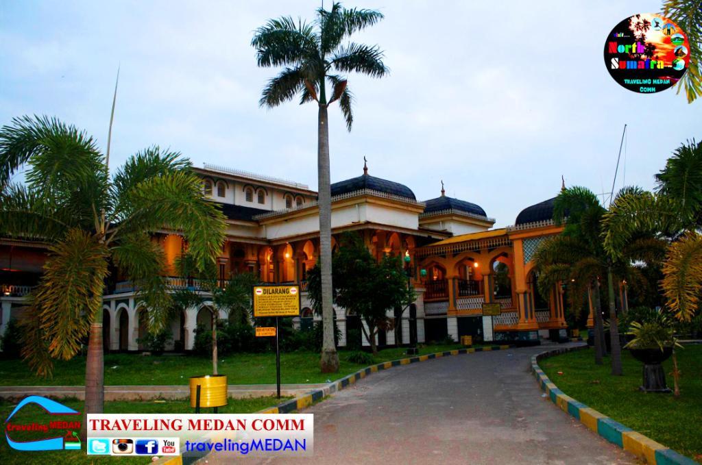 Istana Maimun Traveling Medan Comm Dibangun Kesultanan Sultan Mahmud Al