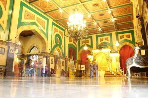 Kejujuran Keikhlasan Utama Jadwal Berkunjung Istana Bangunan Maimun Menghadap Timur