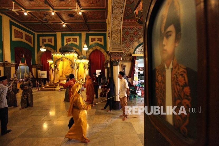 Kunjungi Kota Medan Mampir Yuk Istana Maimun Republika Online Ruang
