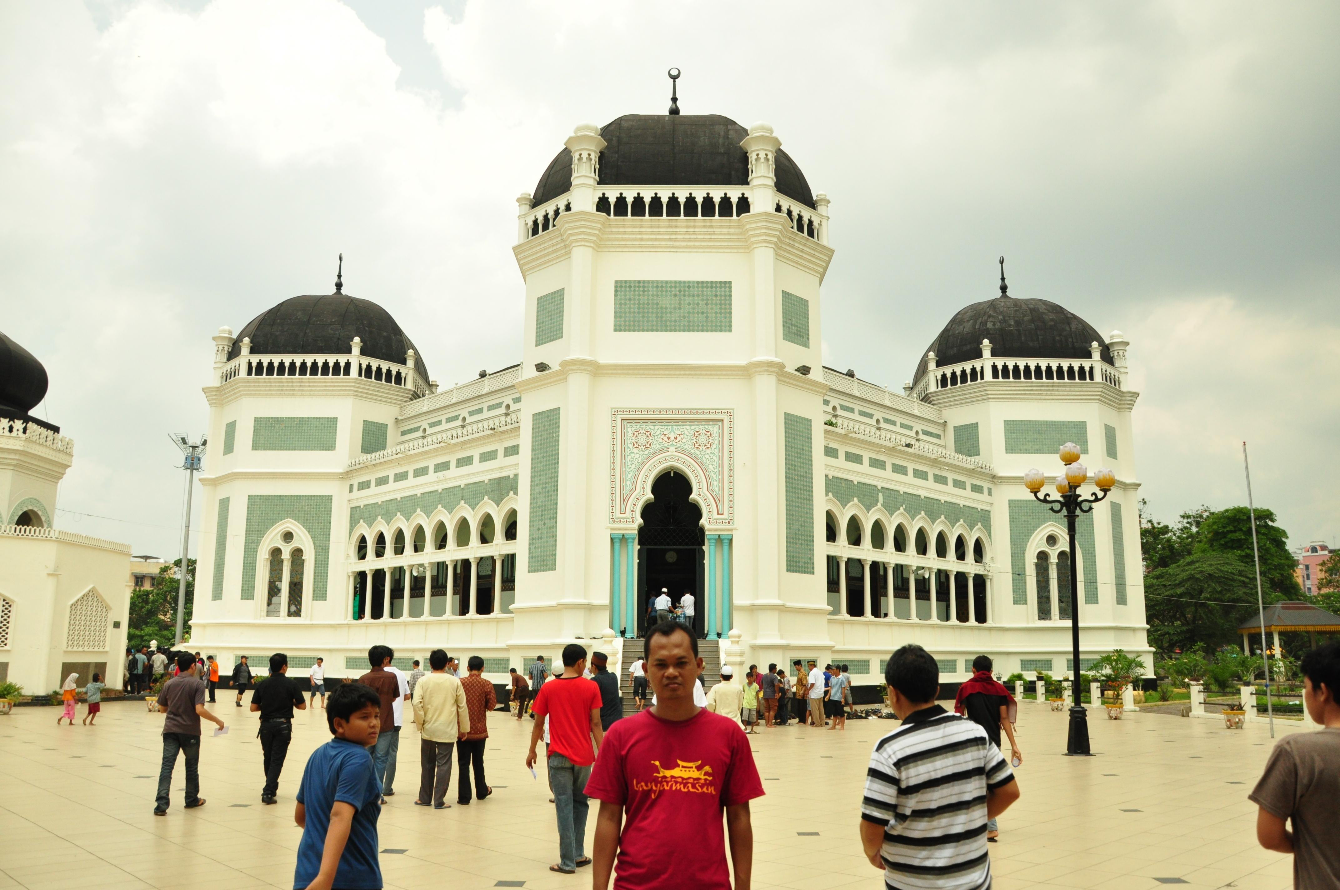 Mengunjungi Kota Medan Pecintawisata Masjid Raya Al Mashun Dikenal Sebagai