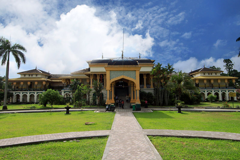 Peninggalan Bersejarah Kesultanan Deli Istana Maimun Wisatapriangan 1 Kota Medan