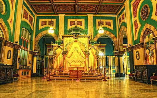 Turis Kampung Istana Maimun Warisan Kejayaan Kesultanan Deli Ikon Kota