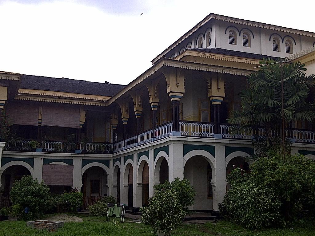 Wisata Sejarah Kota Medan Istana Maimun Meriam Puntung Free Kebesaran