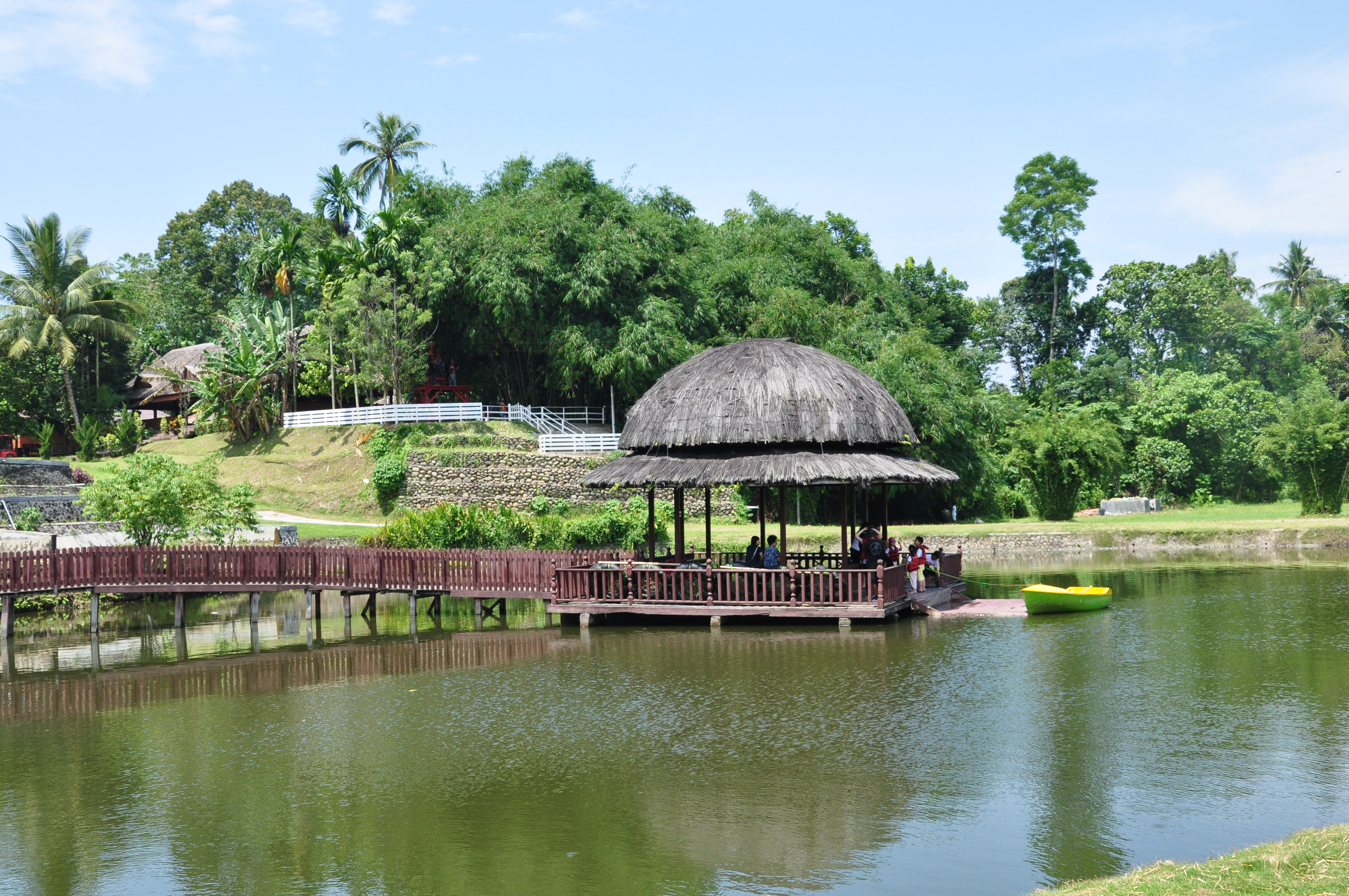 Kampung Ladang Fandryjalanjalan Pemerintah Beserta Rombongan Datang Melakukan Acara Buat