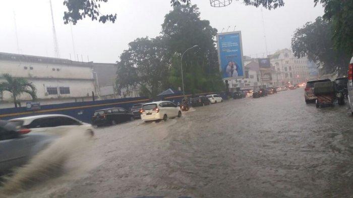 Hujan 2 Jam Kota Medan Terendam Banjir Tribun Melanda Seputaran