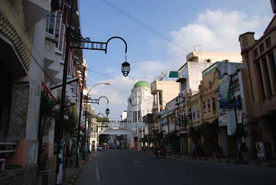 Papi Lukas Landmark Kota Medan Kesawan Square Kalo Malam Lampu