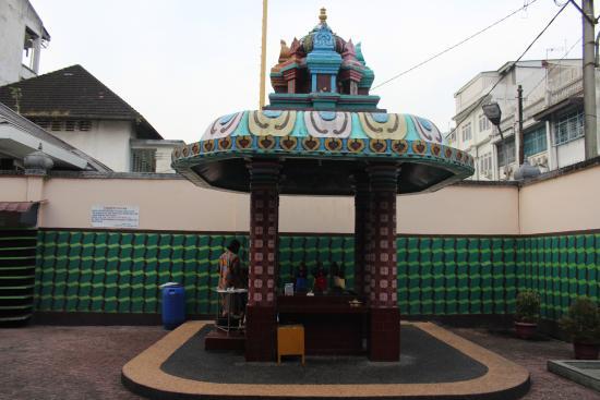Kuil Shri Foto Mariamman Medan Tripadvisor Salah Satu Tempat Membersihkan