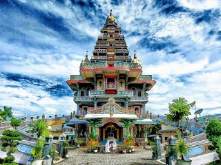 Kuil Shri Mariamman Medan Attraction Indonesia Justgola Marian Shrine Annai