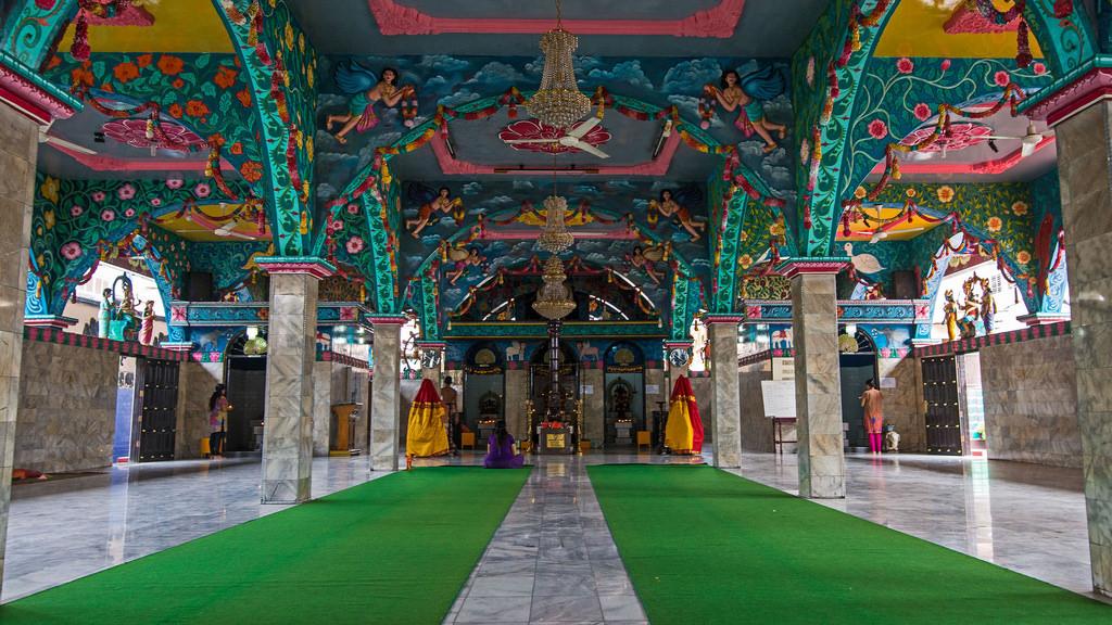 Kuil Shri Mariamman Medan Indonesia Oldest Hindu Tem Flickr Slilin