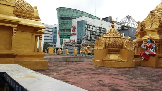 Kuil Shri Mariamman Picture Temple Medan 20160127 105820 Large Jpg