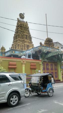 Kuil Shri Mariamman Picture Temple Medan Kota