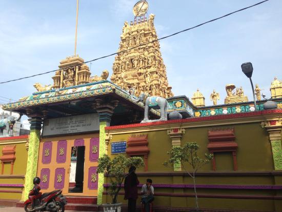 Kuil Shri Mariamman Picture Temple Medan Penampakan Depan Kota