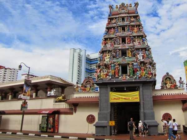 Mengeksplore Eksotisme Kuil Shri Mariamman Hindu Indah Salah Satu Bangunan