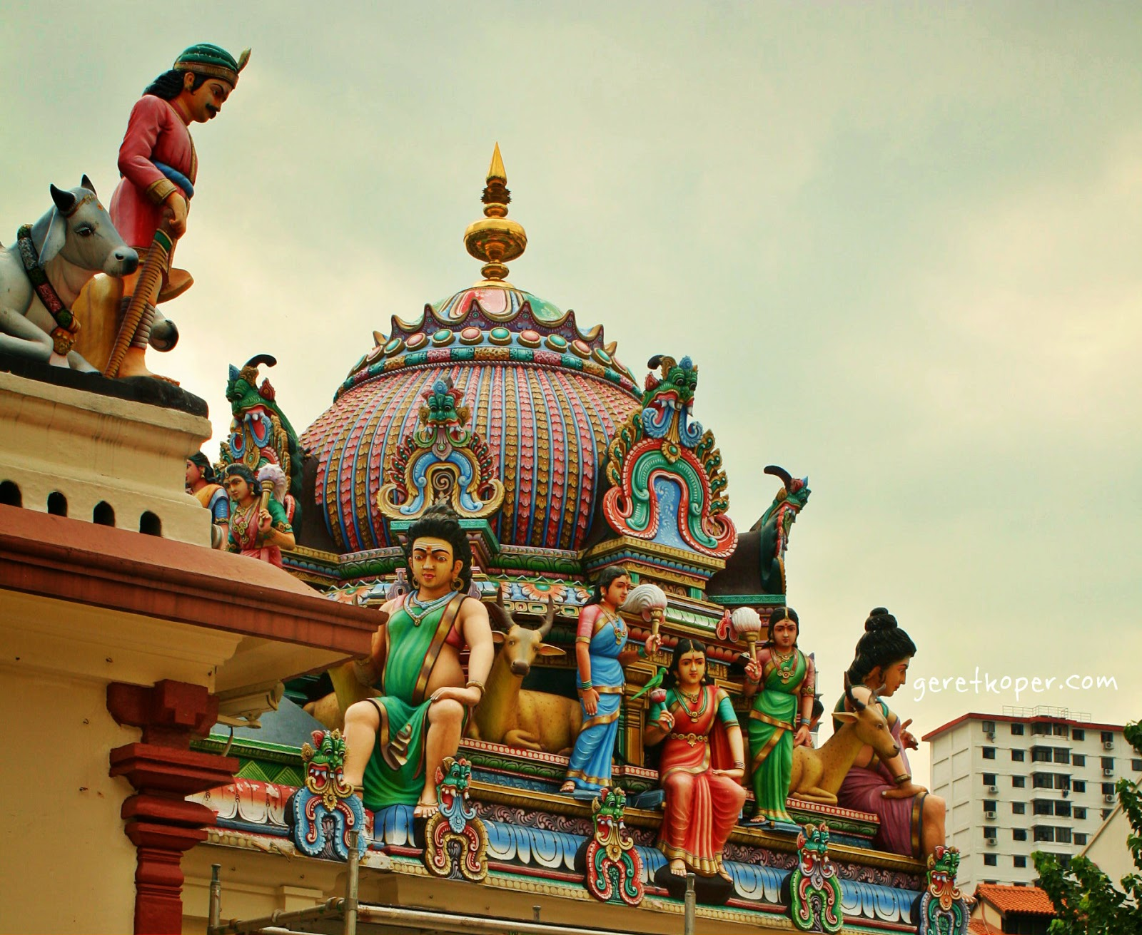 Sri Mariamman Temple Singapore Geret Koper Patung Selesai Cat Ulang