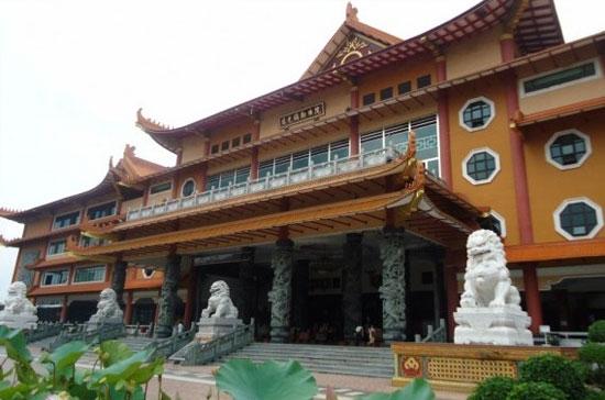 Adhi Vihara Maitreya Grandeur Medan Tour Travel Maha Kota