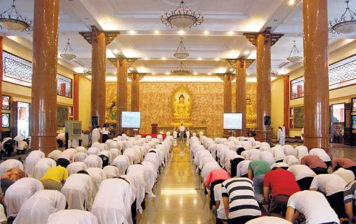 Berita Perayaan Ulambana Maha Vihara Maitreya Harian Analisa Kota Medan