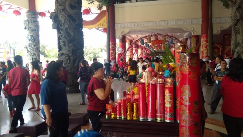 Daerah Ribuan Masyarakat Medan Kunjungi Maha Vihara Maitreya Perayaan Imlek