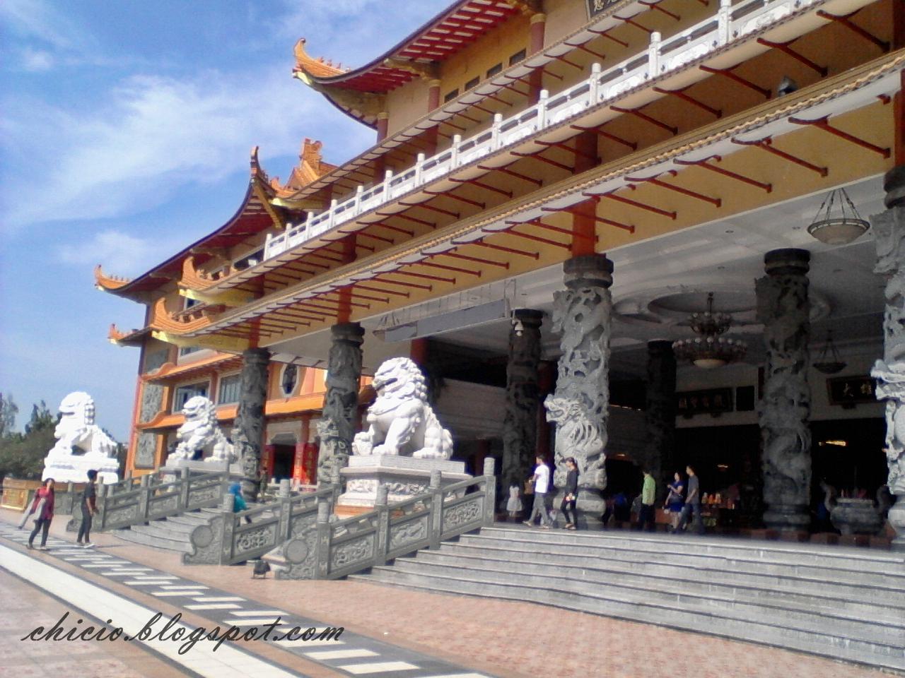 Langkah Kecil Chici Mengintip Keindahan Maha Vihara Adhi Maitreya Medan