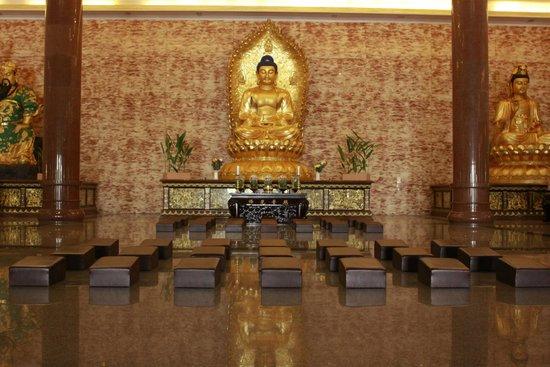 Maha Vihara Maitreya Cemara Asri Medan 2018 Photos Tripadvisor Kota
