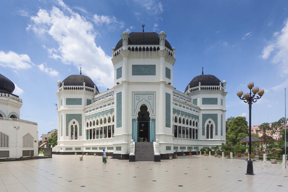 4 Masjid Bersejarah Medan Al Mashun Osmani Kota