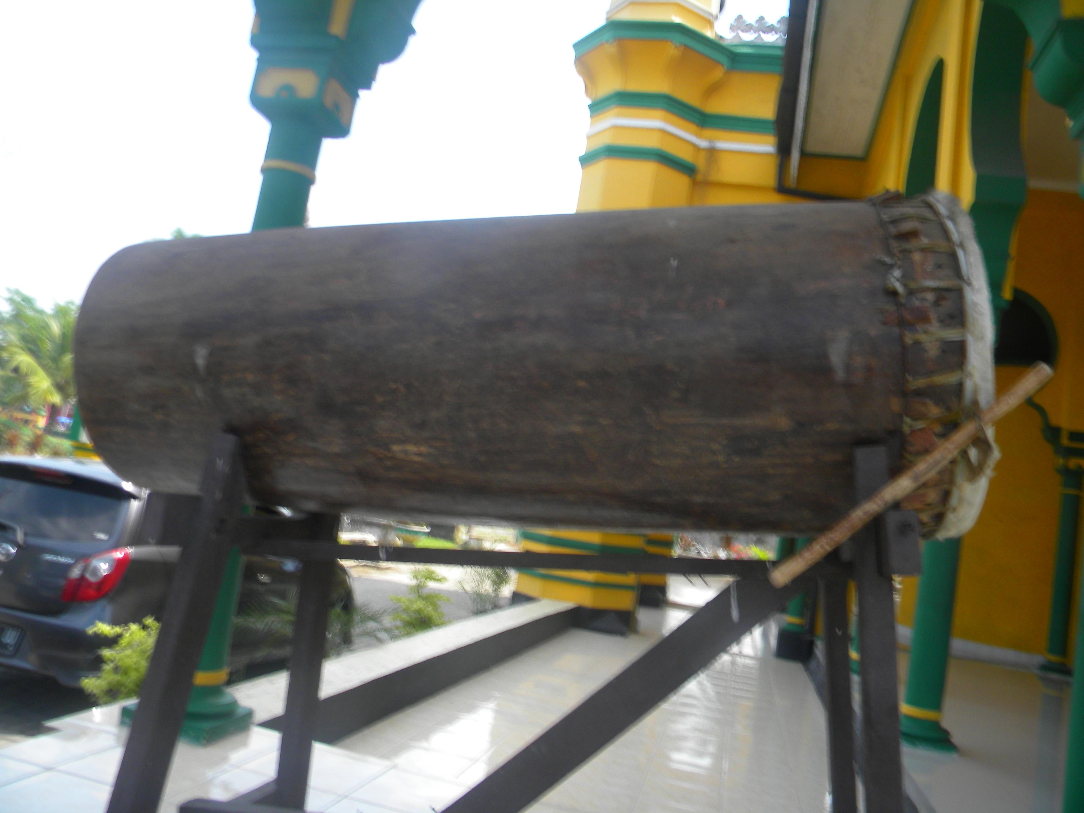 Beduk Masjid Al Osmani Kecamatan Medan Labuhan Kota Provinsisumatera Utara