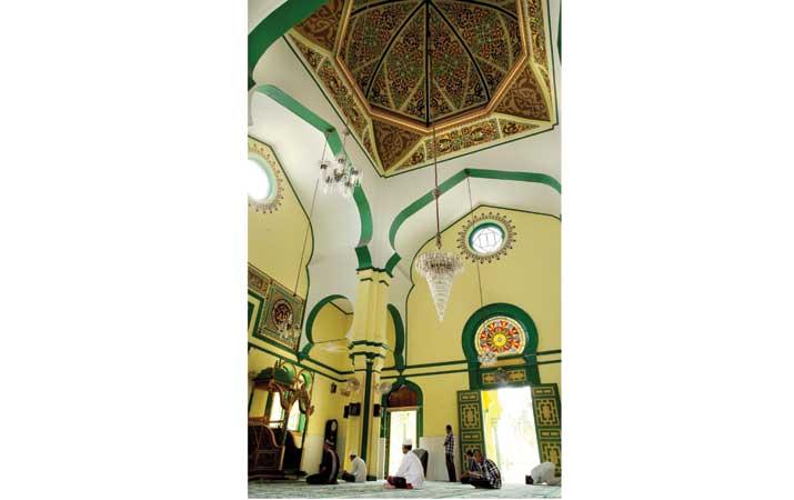 Berita Memori Klasik Depan Harian Analisa Masjid Al Osmani Kota