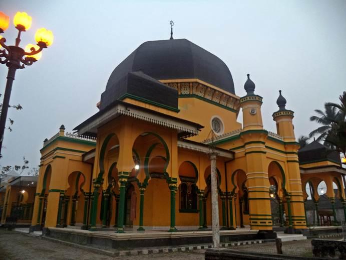 Kemegahan Masjid Raya Al Osmani Medan Kota