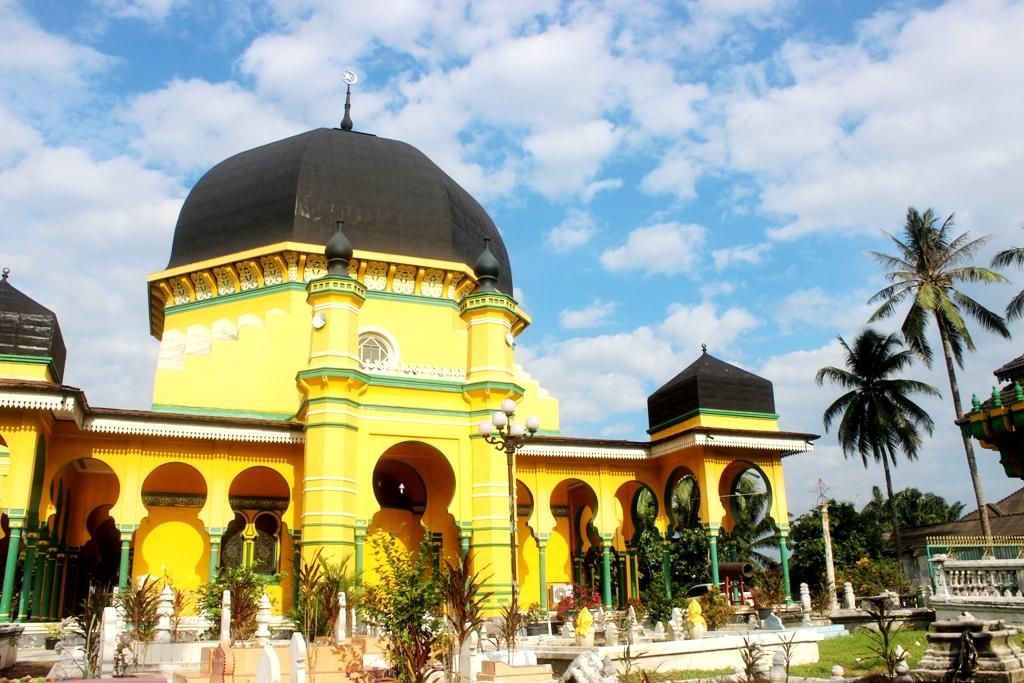 Masjid Al Osmani Tertua Kesultanan Deli Cerita Medan Kota