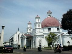 Masjid Al Osmani Tertua Kota Medan Arsitektur Gereja Blenduk Ikon