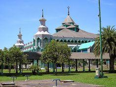 Masjid Al Osmani Tertua Kota Medan Arsitektur Markaz Islami Makassar