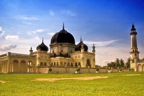 Masjid Azizi Wikipedia Bahasa Indonesia Ensiklopedia Bebas Al Osmani Kota