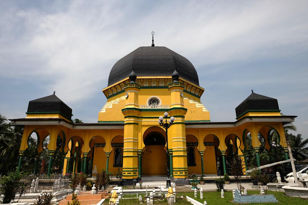 Masjid Raya Al Osmani Catatan Tampak Depan Terlihat Ciri Khas