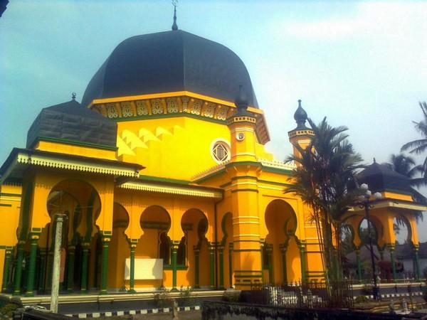 Masjid Raya Al Osmani Tertua Medan Kota