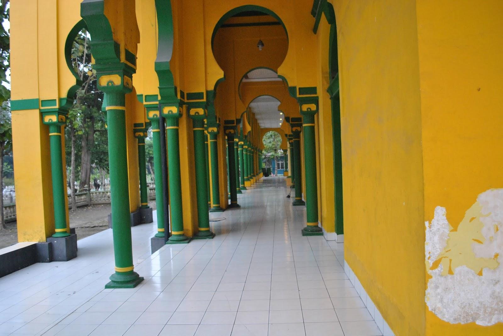 Masjid Tertua Kota Medan Mesjid Al Osmani Sisi Samping